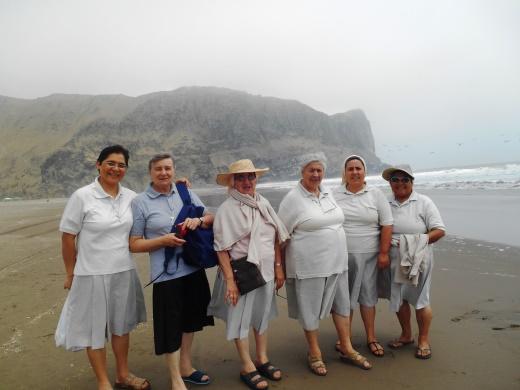 Giornata comunitaria a Chilca, sul Pacifico